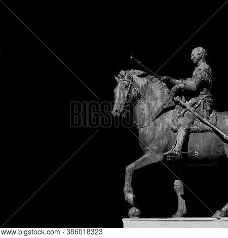 Gattamelata Bronze Equestrian Statue, In The Historic Center Of Padua, Erected By The Famous Renaiss