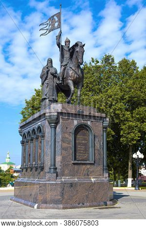 Vladimir, Russia - August 28, 2020: Monument To Prince Vladimir And St. Fyodor - The Baptists Of The