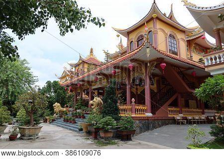 Hoi An, Vietnam, September 20, 2020: Main Entrance Of Tinh Xá Ngoc Cam Temple. Hoi An, Vietnam