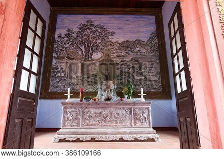 Hoi An, Vietnam, September 20, 2020: View From The Altar Door Inside The Van Mieu Confucius Temple.