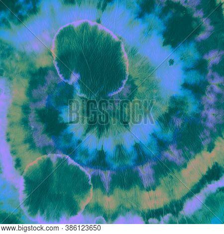 Tie Dye Spiral. Green Color Print. Tie-dye Swirl Texture. Hippie Watercolor Backdrop. Artistic Multi