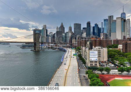 New York City - Jun 28, 2020: Panoramic View Of The East River And The Brooklyn Bridge Between Brook
