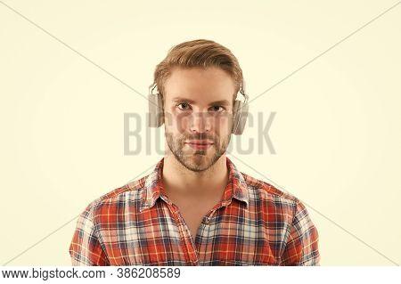 Audio Guide. Perfect Sound. Listen Music For Motivation. Favorite Track List. Wireless Headphones. M