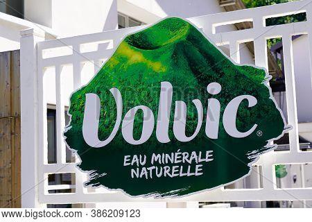 Volvic , Auvergne / France - 09 15 2020 : Volvic Sign Text And Logo On Headquarter Portal Of Industr