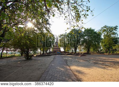 Phra Ngam Temple At Phra Nakhon Si Ayutthaya Province In Thailand