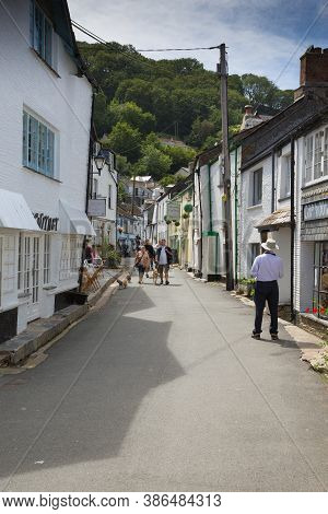 Polperro, Cornwall-july 7th 2020: Fine Weather Attracted Some Visitors Back To The Narrow Historic S