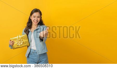 Hand Of Asian Pretty Woman In Casual Clothing Smile Showing Mini Heart Hand And Hold New Year Gift B