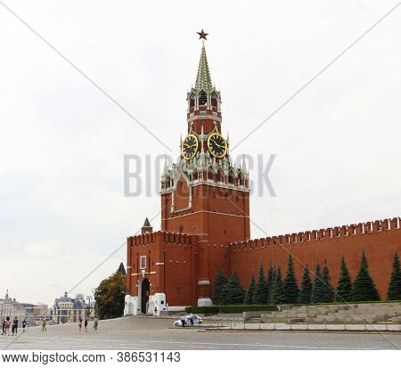 Moscow, Rf, 07.04.2020: Moscow Red Square. View Of The Kremlin's Spasskaya Tower. Red Walls Of The K