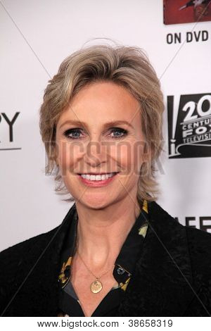 LOS ANGELES - OCT 13:  Jane Lynch arrives at the