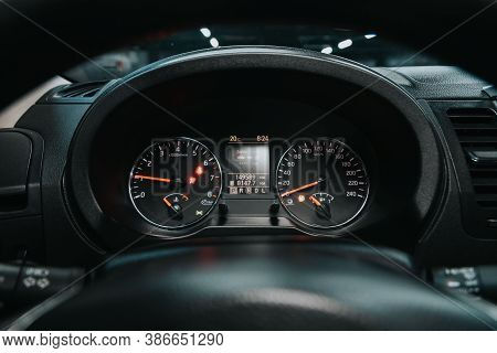 Novosibirsk, Russia - September 19, 2020: Nissan X-trail, Round Speedometer, Odometer With A Range O