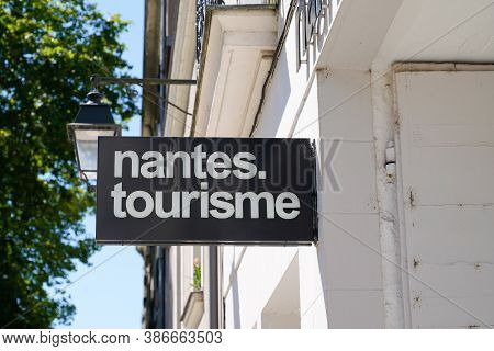Nantes , Loire Atlantique / France - 09 20 2020 : Nantes Tourisme Sign And Logo Text For French Tour