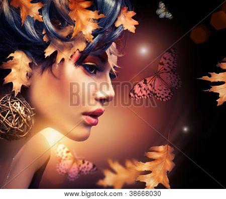 Autumn Woman Fashion Portrait. Fall. Beautiful Girl. Fashion Art