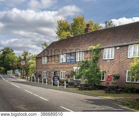 Smarden, Kent, Uk, September 2020 - The Bell Public House In The Village Of Smarden, Kent, Uk