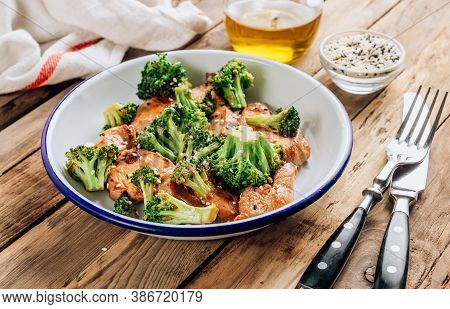 Chicken Breasts And Broccoli In Soy Sauce With Sesame Seeds For Keto Diet Lunch