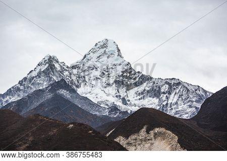 Ama Dablam Mountain View. Nepal, Sagarmatha National Park