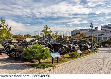 Seoul, South Korea - October 19th 2017: A Row Of Tanks At The War Memorial Of Korea Museum, Yongsan-