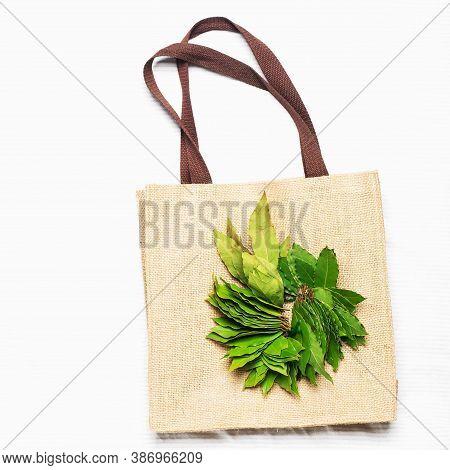 Fresh Dried Bay Leaves Wreath For Homemade Fresh Food Preparation On Organic Fiber Mesh Store Purcha