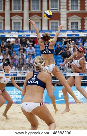 12/08/2011 LONDON, ENGLAND, Jennifer Kessy & April Ross (USA) vs Brittany Hochevar & Lisa Rutledge (USA) during the FIVB Beach Volleyball tournament, at Horse Guards Parade, Westminster, London.