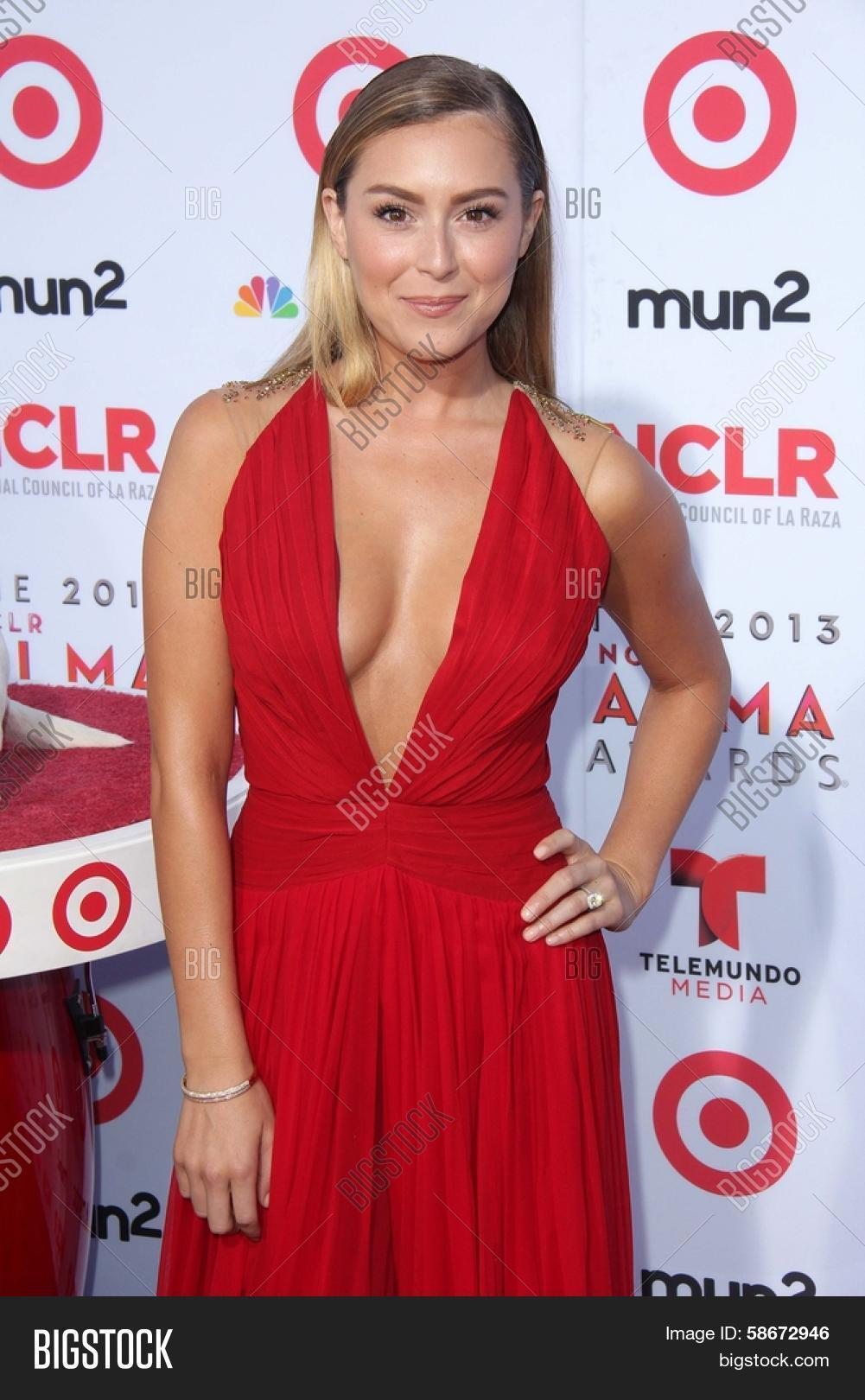 All above alexa vega cleavage apologise, but
