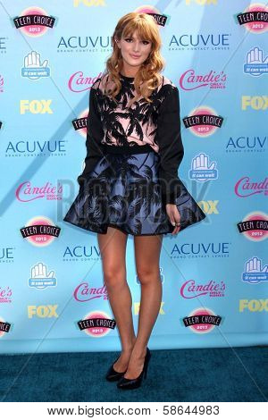 Bella Thorne at the 2013 Teen Choice Awards Arrivals, Gibson Amphitheatre, Universal City, CA 08-11-13
