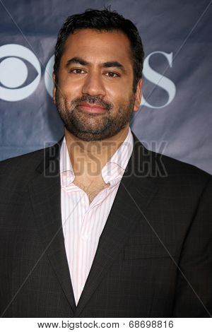 LOS ANGELES - JUL 17:  Kal Penn at the CBS TCA July 2014 Party at the Pacific Design Center on July 17, 2014 in West Hollywood, CA