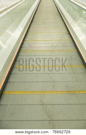 Flat Escalator