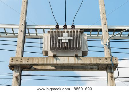 Transform Electric High Voltage To Low Voltage