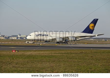 Frankfurt Airport - Airbus A380-800 Of Lufthansa Takes Off