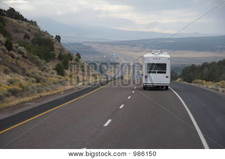 Mobilheim auf Autobahn