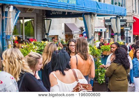 Montreal, Canada - May 27, 2017: Old Town Area Jacques Cartier Square With People Waiting In Line Qu