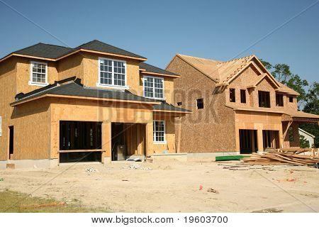 Neue Häuser im Bau