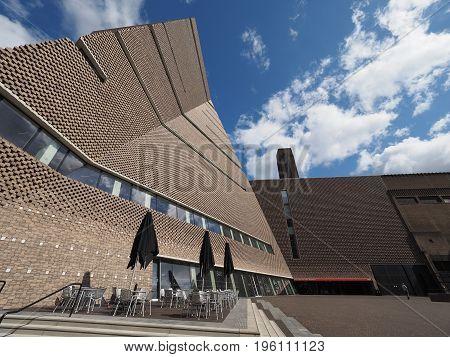 Tate Modern Tavatnik Building In London