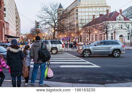 Washington Dc, Usa - December 29, 2016: People Waiting To Cross Street On Pennsylvania Avenue In Dow