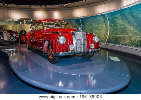 STUTTGART GERMANY- MARCH 19 2016: Full-size luxury car Mercedes-Benz Type 300 (W186 II) 1952. Mercedes-Benz Museum.