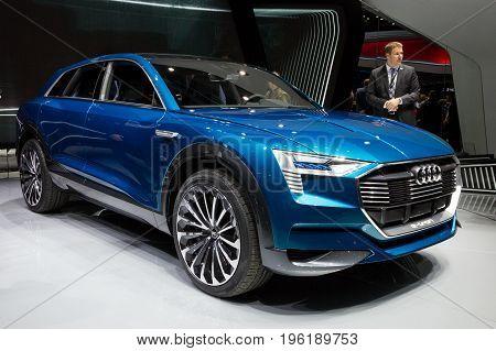 Audi E-tron Quattro Concept Car