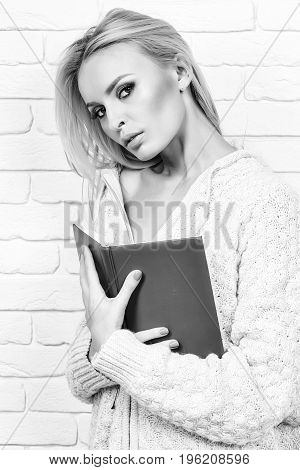 Girl Read Book