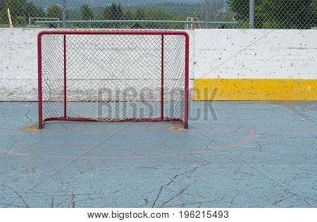 nobody playing hockey goal empty aspiration success