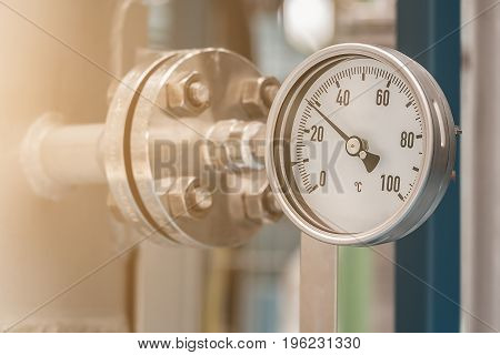 Temperature gauge in petrochemical plant, Temperature gauge in Oil refinery plant