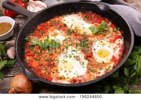 fried egg with tomato