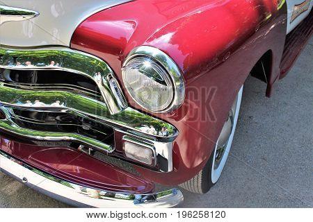 Classic us car, vintage, headlight - Bad Pyrmont/Germany - 07/08/2017