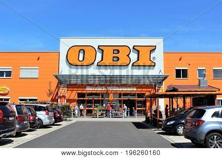 An image of a OBI store - logo - Minden/Germany - 07/18/2017