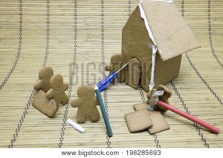 Gingerbread Men Building House