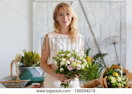 Image of blonde with bouquet