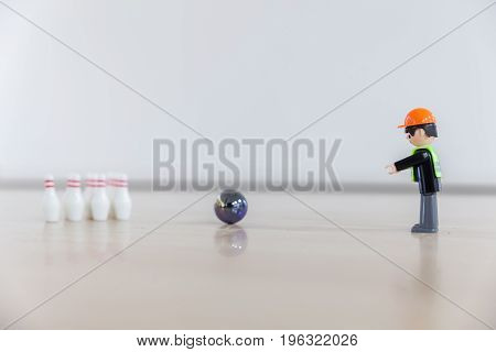 Finger Bowling With Children's Toys