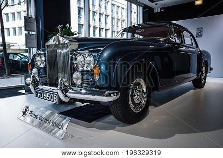 BERLIN - MARCH 08 2015: Showroom. Rolls-Royce Silver Cloud III. Rolls-Royce Motor Cars Limited global manufacturer of luxury cars.