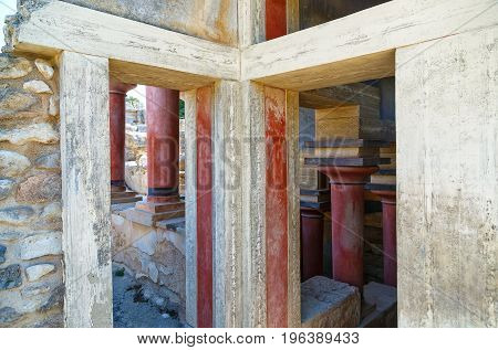 Old walls of Knossos near Heraklion. The ruins of the Minoan palaces is the largest archaeological site of all the paleces in