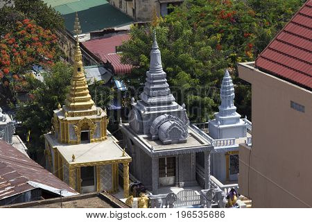 Small Temples In Phnom Phen