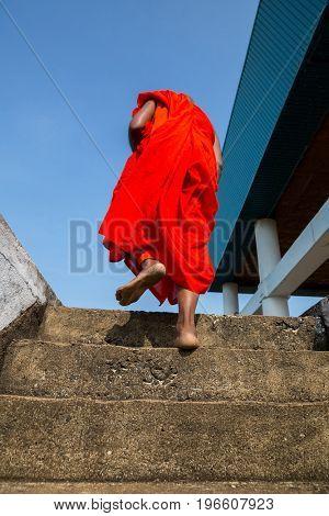 Sri Lanka attractions, buddhist in buddha temple