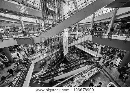 Tel Aviv - 22.05.2017: Rush Hour, Many People In The Azrieli Mall, Tel Aviv,