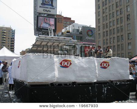 World's Largest Ice Cream Cake